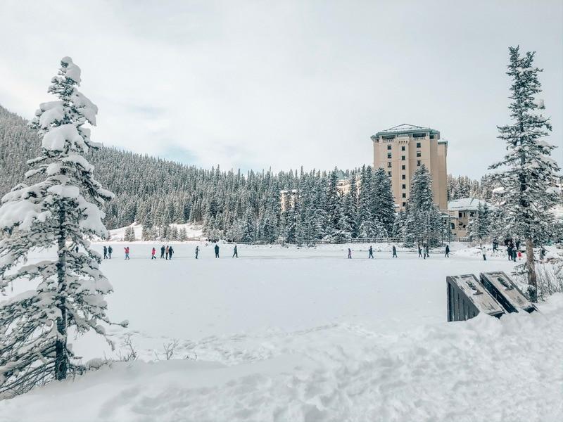 Frozen lake louise winter