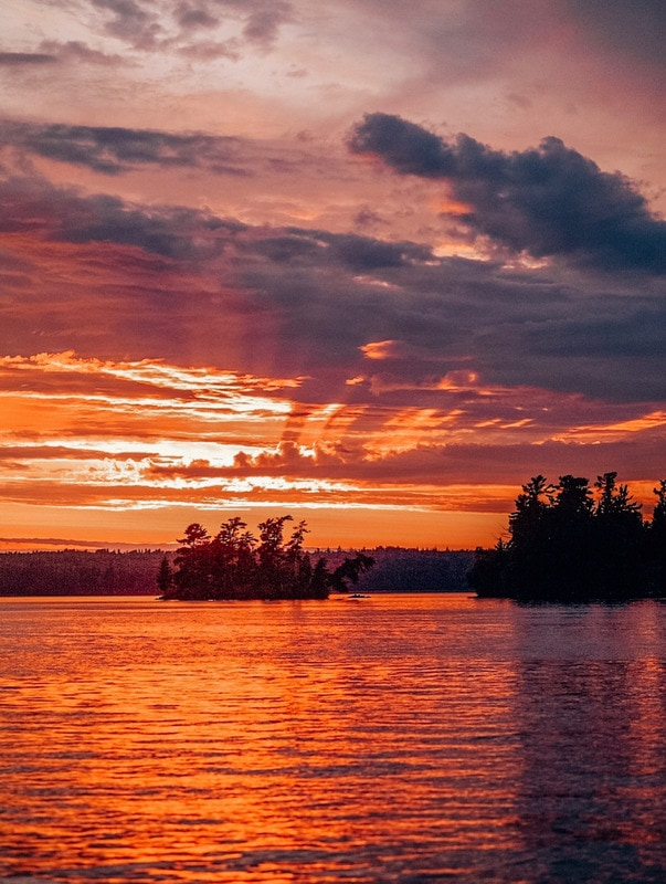 12 Gorgeous Sunsets in Canada to melt your heart!