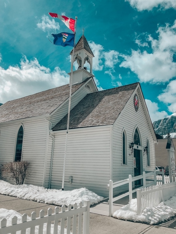 15+ Best Small Towns in Alberta worth exploring