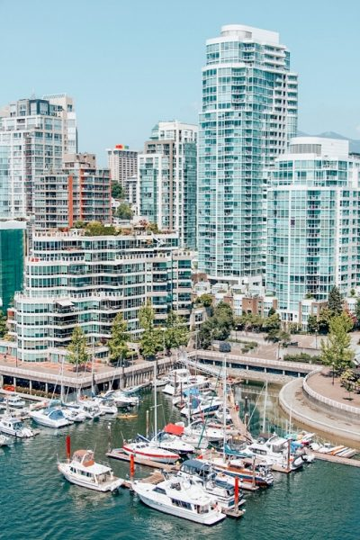 Downtown Vancouver: Get the expert picks for the best airbnbs in Vancouver Canada for your trip. List includes downtown, Gastown, & other trendy areas.