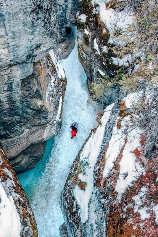 Ice walk at Maligne Canyon