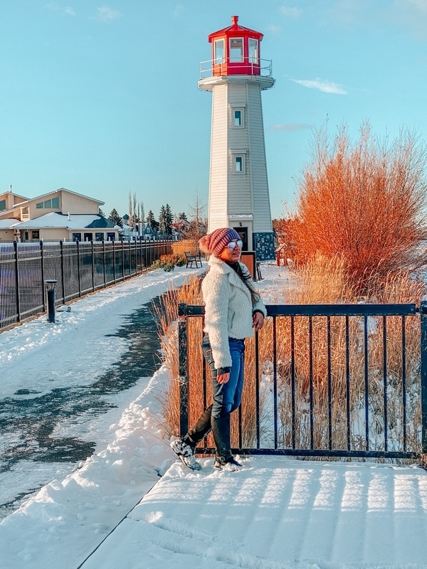 Enjoy a day trip from Edmonton to Sylvan Lake in winter