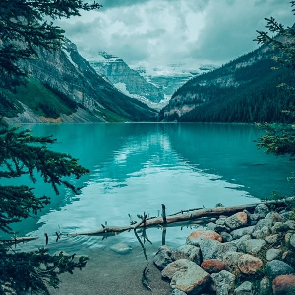 Lake Louise learn how to move to Canada from Ireland